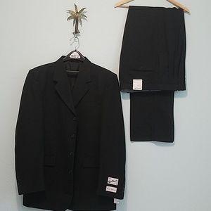 Gino Cappeli Collection Men's Suit  Size L42 Black